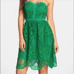 NWT Adelyn Rae Strapless Kelly Green Dress